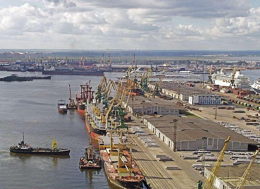 Water Transport Development Program St  Petersburg for the